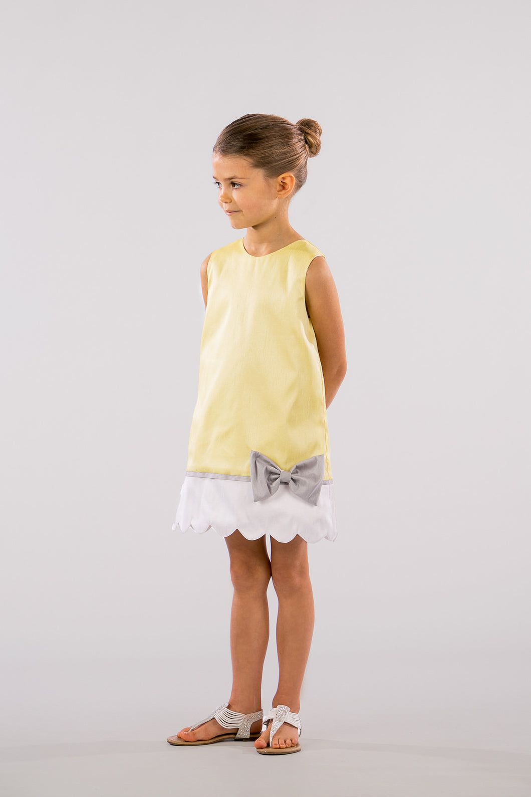 YELLOW SHIFT DRESS WITH SCALLOPED BORDER
