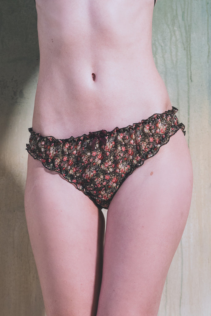 organic ethical lingerie brief panty knicker bridal sexy everyday black floral pink flower chiffon delicate, culotte, mutandine, noir, nero, fleur, motif, a fiori