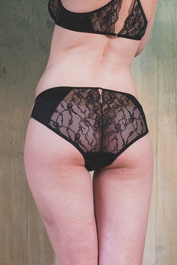 organic ethical lingerie knicker see through sheer sexy erotic everyday satin black lace plus size, mutandine, slip, culotte noir dentelle nero pizzo schwartz