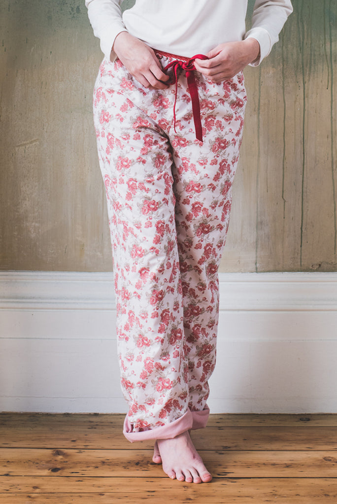 organic ethical lingerie loungepant pyjama pajama trousers, sleepwear set everyday red cream floral cotton, pantalon pigiama pantalone, rose, rouge, rosso, a fleurs, vintage, a fiori, coton, cotone