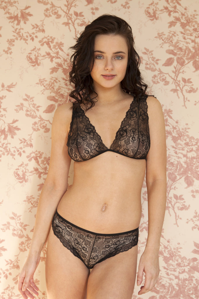 organic ethical lingerie women, bra and brief set, panty, knicker, everyday sexy, see through, sheer, black lace floral, dentelle, pizzo, noir, nero, sous vetements, femme, donna, underwear, soutien gorge, reggiseno, culotte, mutandine, ensemble, transparent