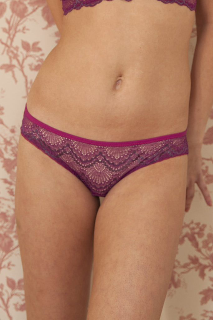 organic ethical lingerie women, knicker, brief, panty, everyday sexy erotic lingerie plus size pink floral lace sheer see through, mutandine, culotte, rose, rosa, dentelle pizzo , lenceria, ランジェリー, レース, 下着, セクシー, オーガニック, 倫理的な, エロチック, バンブー、竹, コットン、綿