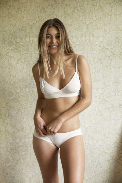 Ninette Cream Organic Bra   Brief Set £59.00 3830df7c6