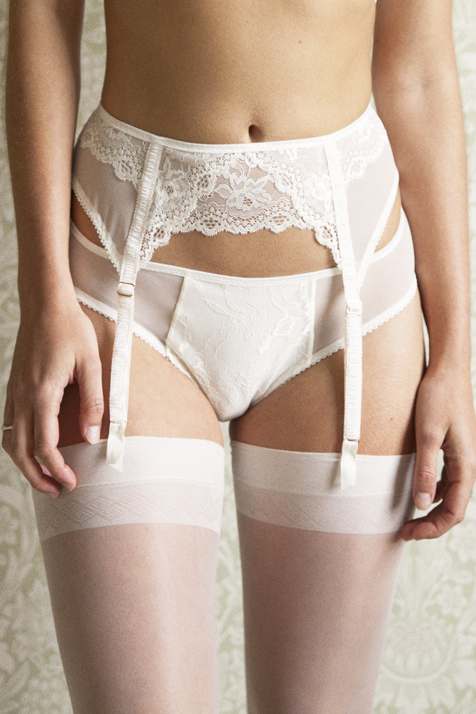 Rita Ivory Bra, Brief & Suspender Belt Set