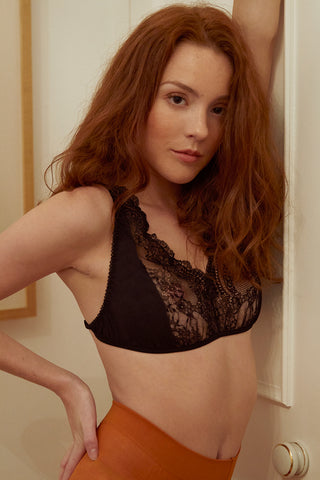 Sylvia Black Lace Bra (30-32DD ONLY)