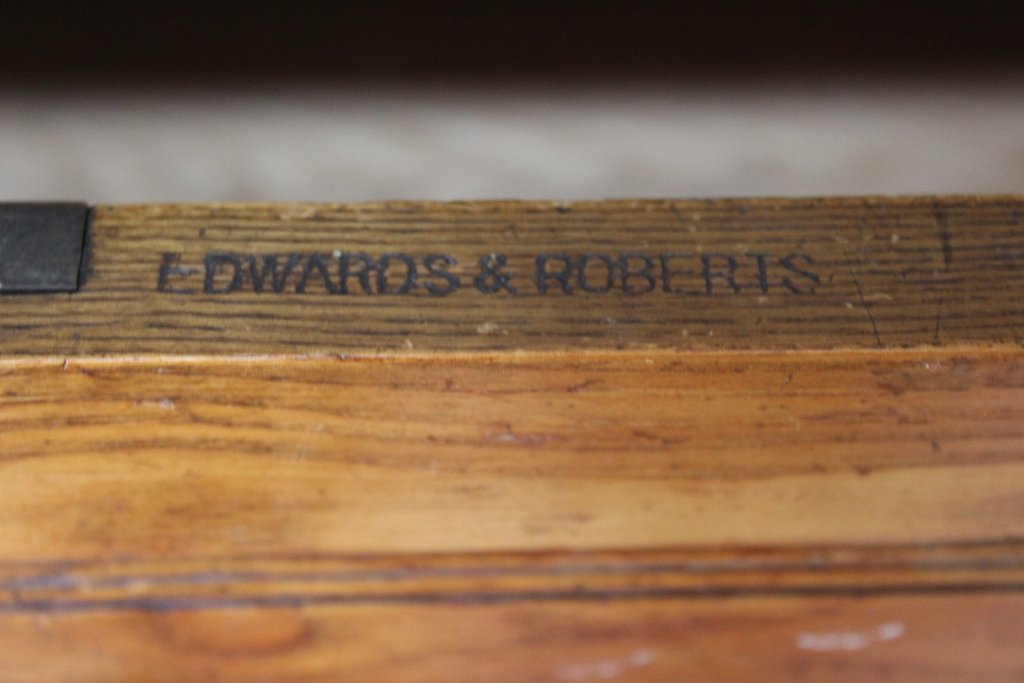 Antique Furniture Makers: Edwards & Roberts