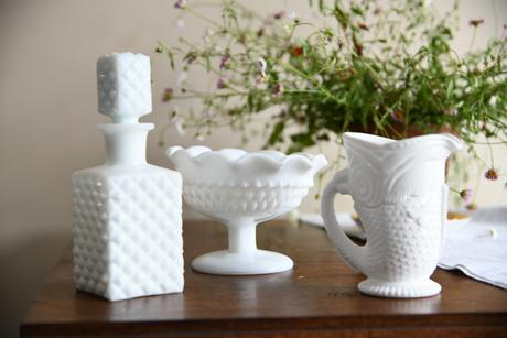 Collection Milk Glass