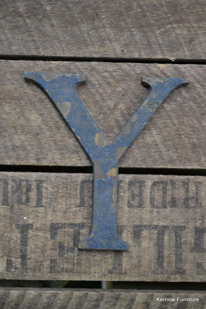 Vintage Y Shop Letter - Kernow Furniture