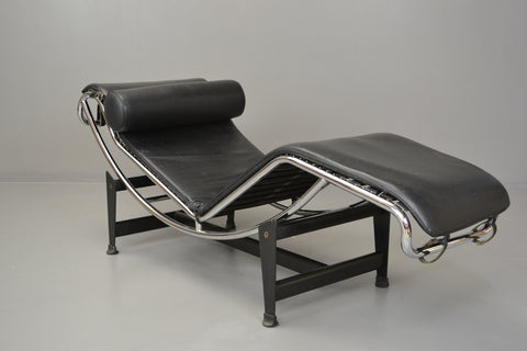 Le Corbusier Repro Chaise Longue - Kernow Furniture 100s vintage, retro & antique items in stock
