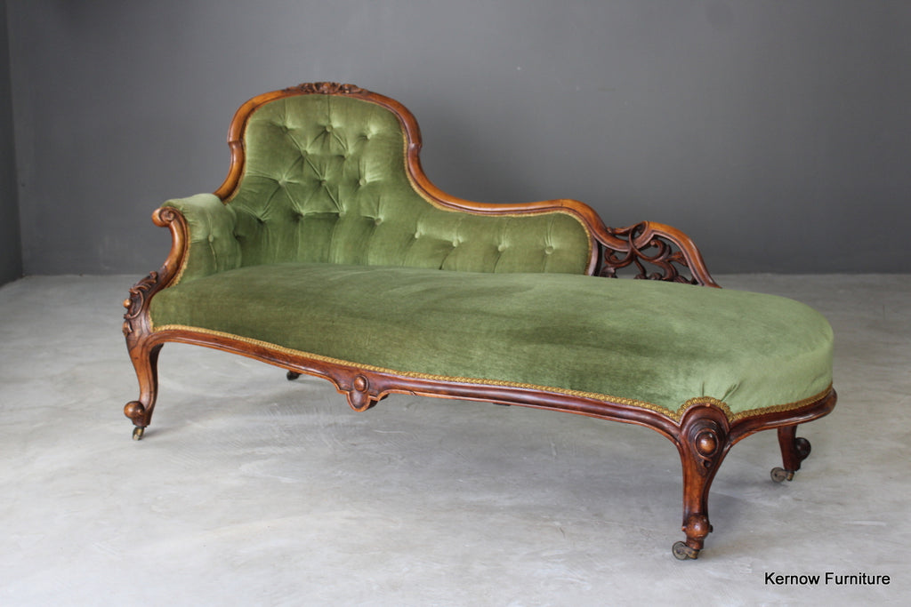 Victorian Walnut Button Back Chaise Longue