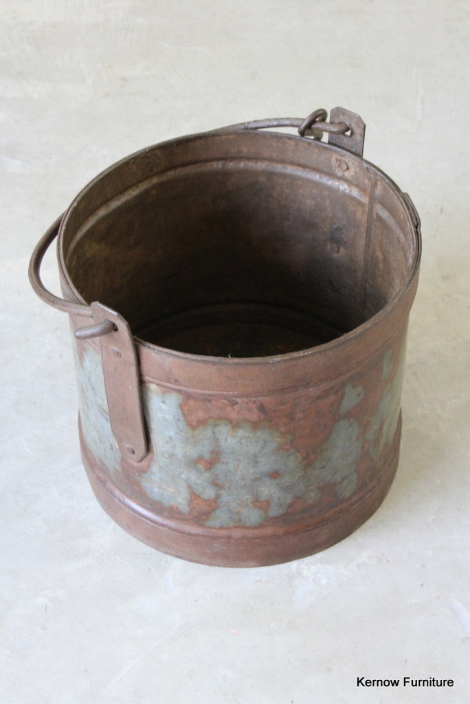Large Rustic Iron Bucket - Kernow Furniture
