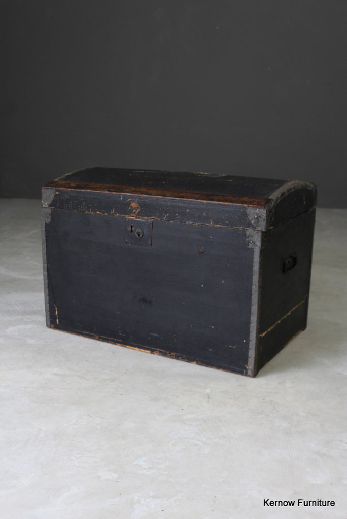 Vintage Dome Lid Trunk