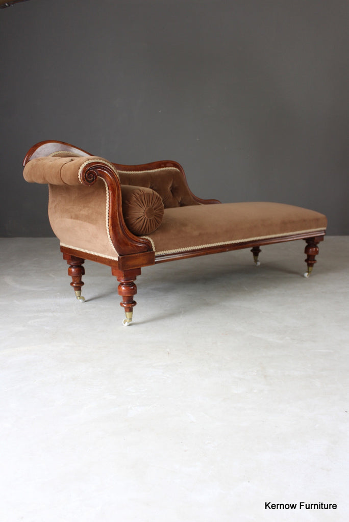 Victorian Upholstered Chaise Longue