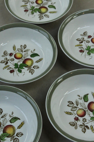 5 Alfred Meakin Hereford Bowls
