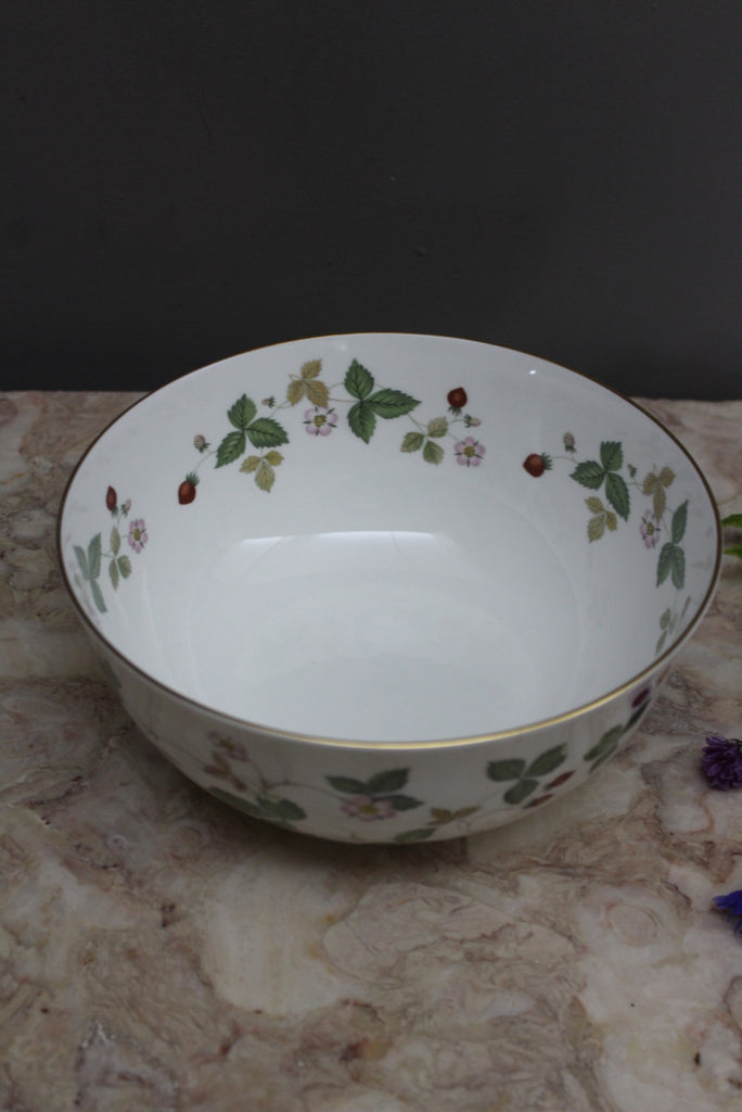Wedgwood Wild Strawberry Salad Bowl