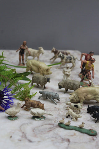 Collection Vintage Plastic Farm Animals