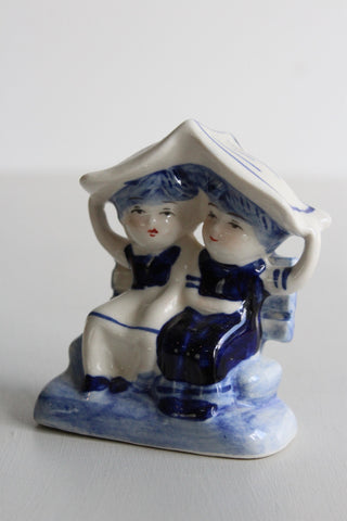Delft Ornament Seated Couple - Kernow Furniture