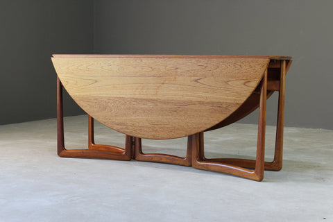 Peter Hvidt & Orla Molgaard-Nielsen Retro Teak Dining Table - Kernow Furniture