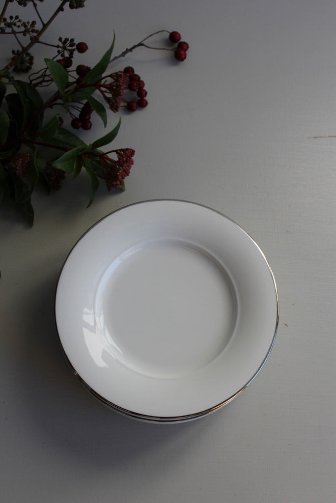 8 Royal Doulton Bread Plate - Kernow Furniture