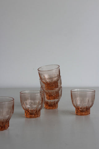 6 Vintage Peach Coloured Glasses