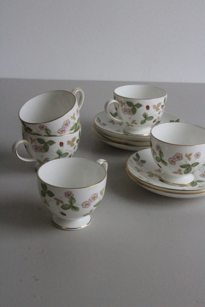 5 Wedgwood Wild Strawberry Bone China Tea Cups - Kernow Furniture