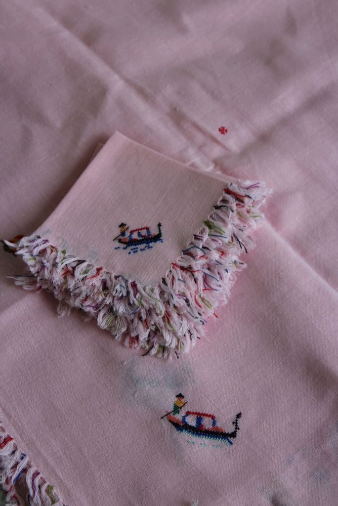 Pink Tassle Tablecloth & Napkin Set - Kernow Furniture