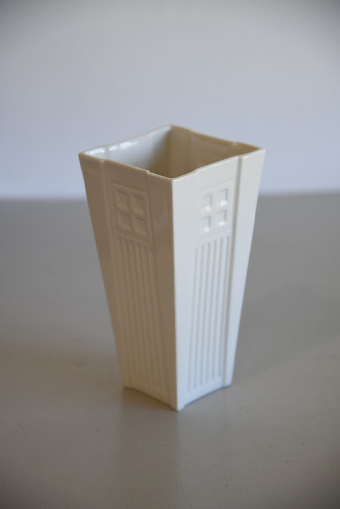 Belleek Living Vase - Kernow Furniture