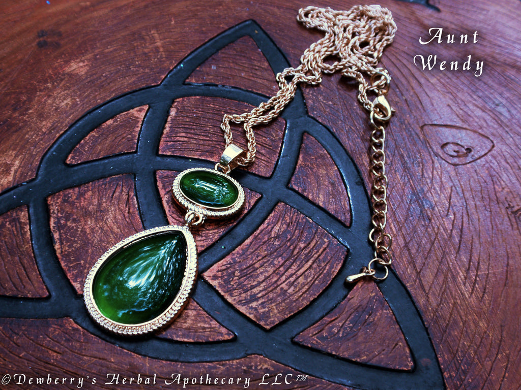 99dbddbbe4b4f AUNT WENDY'S Nine Lives Cat's Eye EMERALD GREEN Teardrop Necklace. Witches  Of East End