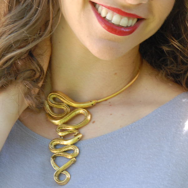 Eel Bibb Necklace on Wire Collar