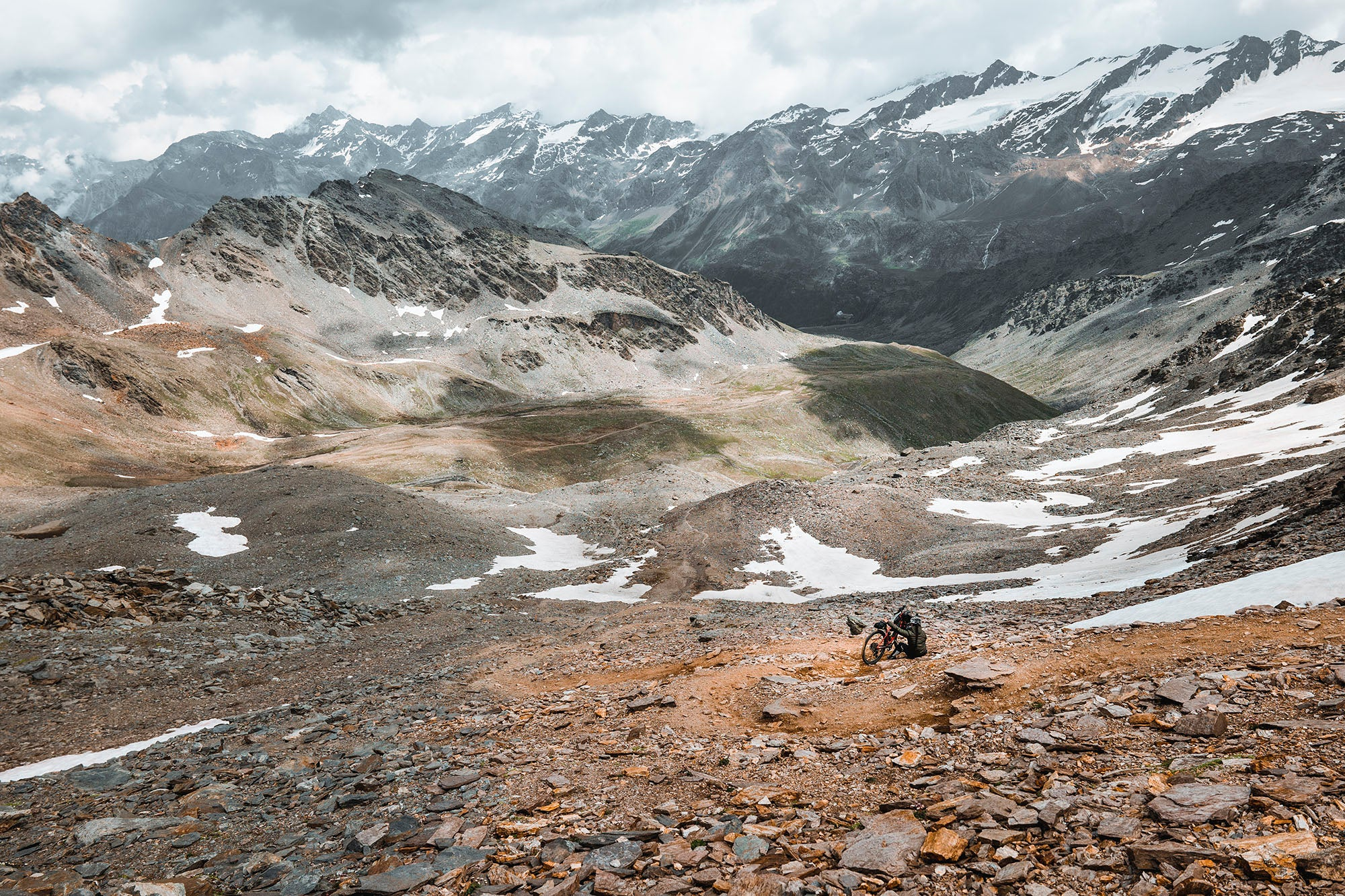 restrap sanne hipiteuw far ride magazine italy alps bikepacking mountains