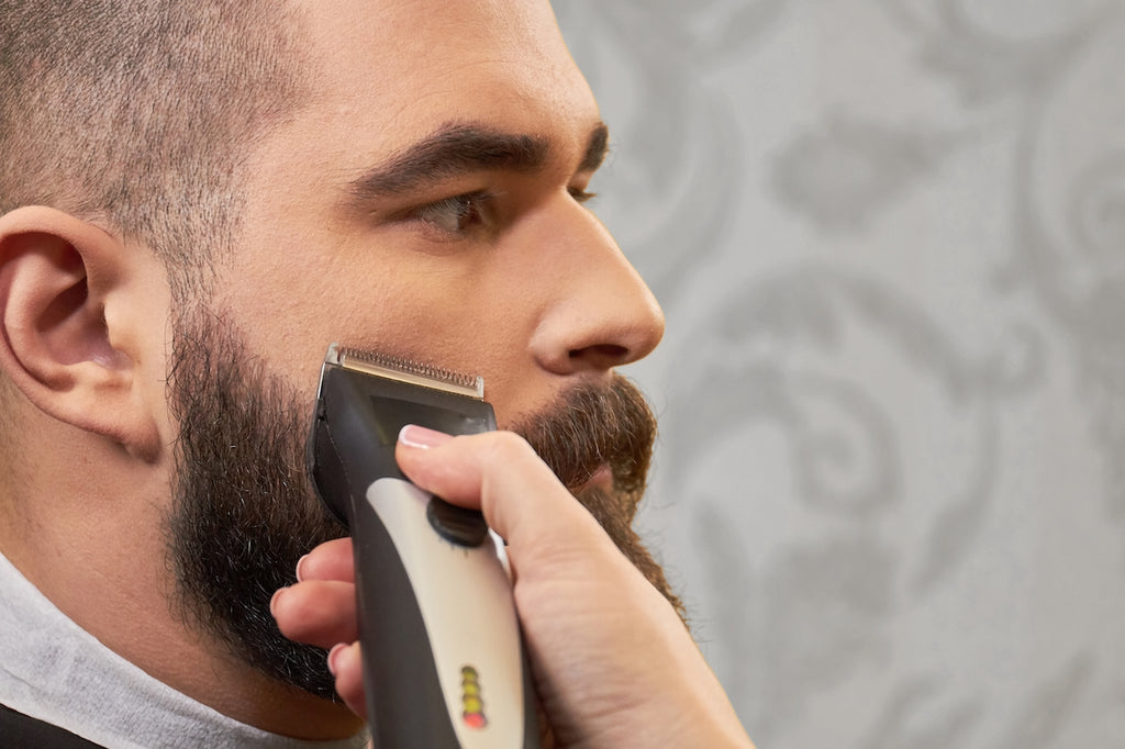 What-to-look-for-in-a-beard-trimmer-image2-by-kingsmenbeardclub.com