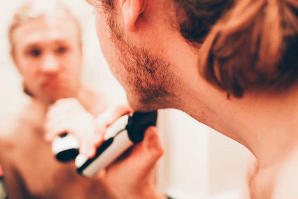 SHAVING-YOUR-BEARD-MAKES-IT-GRO-IN-THICKER-image-by-kingsmenbeardclub.com