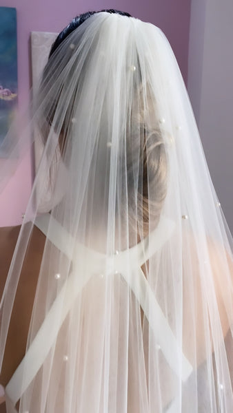 Pearl Scatter Veil Ivory