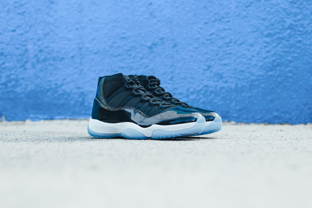 "Air Jordan 11 ""Space Jam"" / Saturday December 10th"