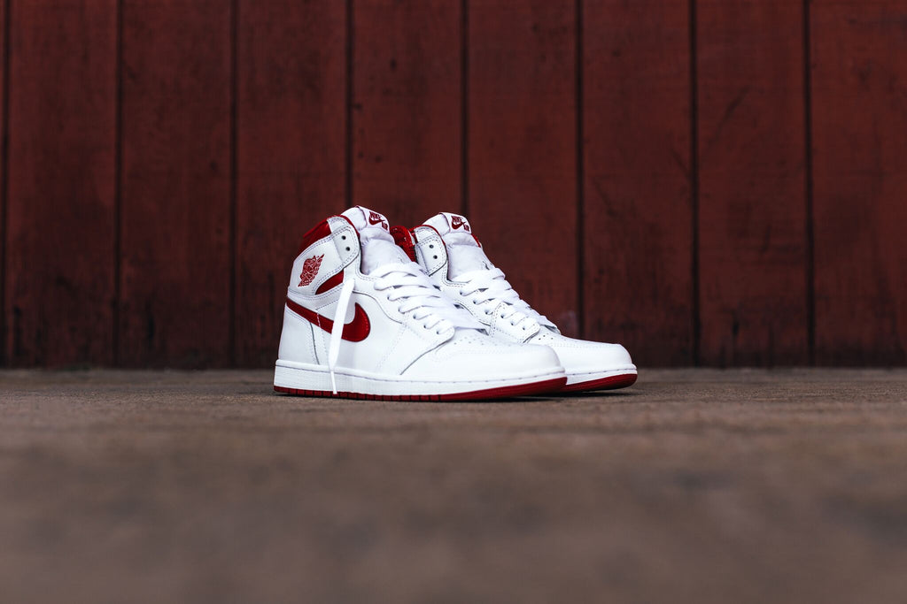 Air Jordan 1 Retro High OG  White/Varsity Red (Available Now)