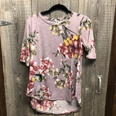 $5 Sale 3900- LAVENDER FLORAL TOP