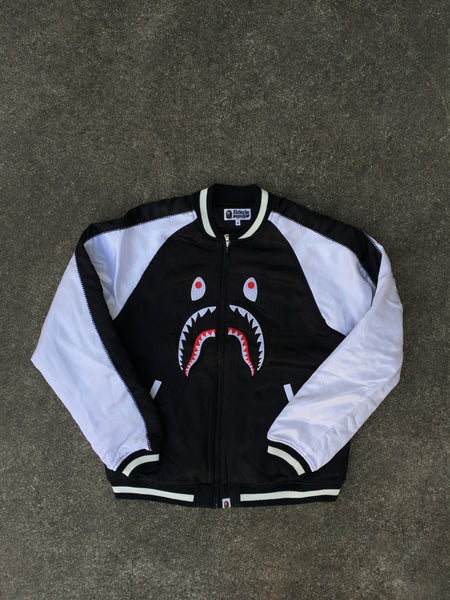 SOUVENIR SHARK JACKET (BLACK)