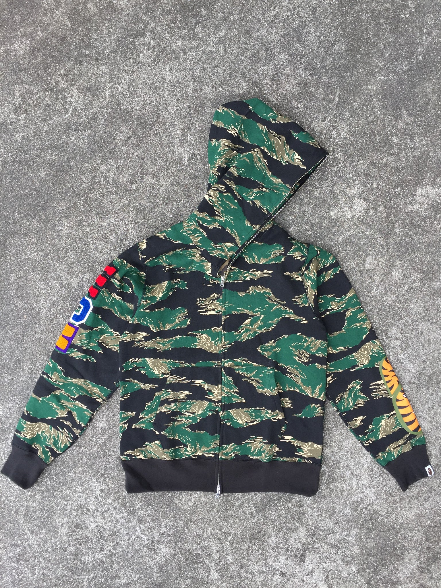 TIGER CAMO EMBROIDERY SHARK FULL ZIP HOODIE (GREEN)
