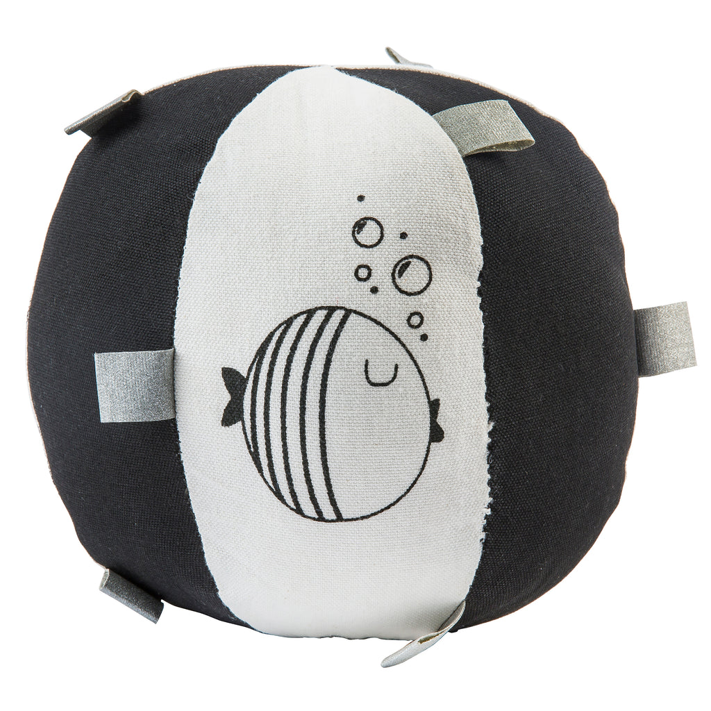 Black & White Fish Rattle Ball