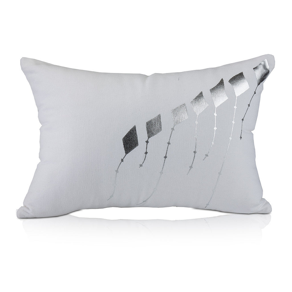 Samir Pillow, Silver Kites