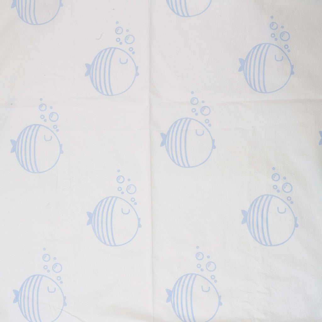 LIL' PYAR FISH CRIB SHEET IN LIGHT BLUE
