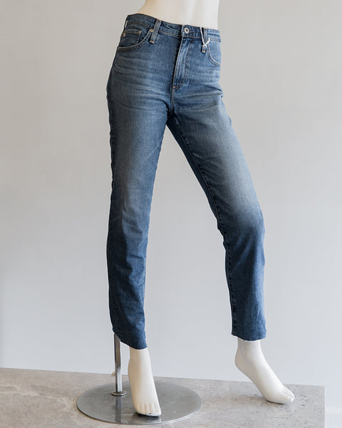 AG Jeans Isabelle Straight Leg in 20YRDUP