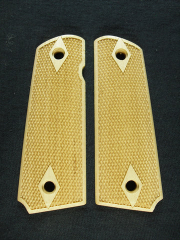Double Diamond Fine Checker Maple 1911 Grips (Full Size)