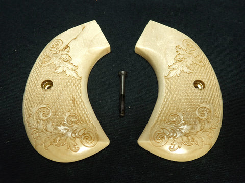 Checkered Floral Maple Ruger Vaquero Birdshead Grips Engraved Textured