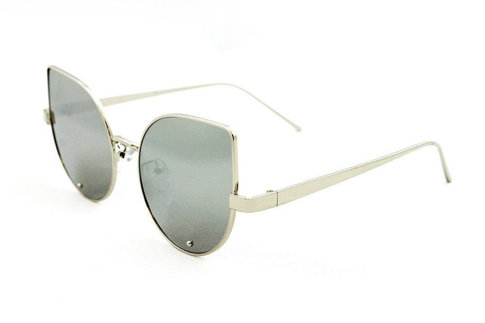 Classic Cat Eye Design with Air Brushed Aluminum Silver Frame and UV400 Protected Mirror Flash Lens Sunglasses.