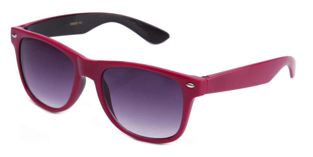 Classic Two Tone Horned Rim Sunglasses with Gradient Lens in Hot Pink and Black.