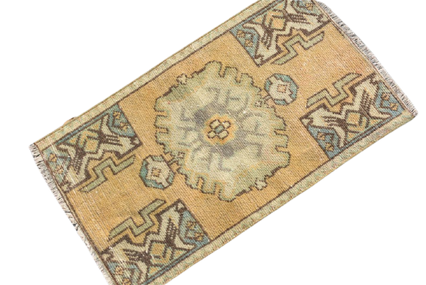 Mini Turkish Rug 1.5 x 2.7 ft.