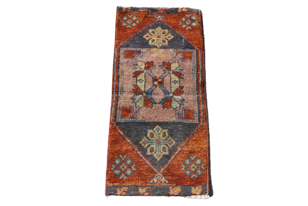 Mini Turkish Rug 1.5 x 3.2 ft