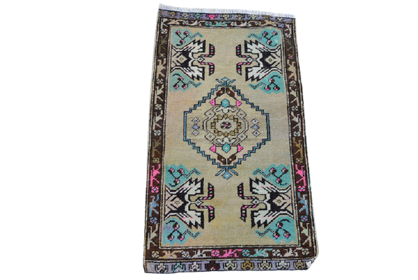 Mini Turkish Rug 1.5 x 2.8 ft