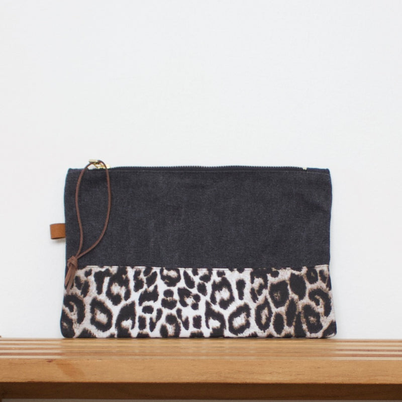 Pouch - Dark grey / Leopard snow